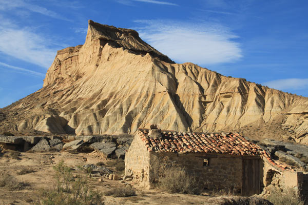 des paysages désertiques, désert unique au monde, bardenas desert, excursion un voyage dans le temps, canyons, casas bardenas, borda bardenas