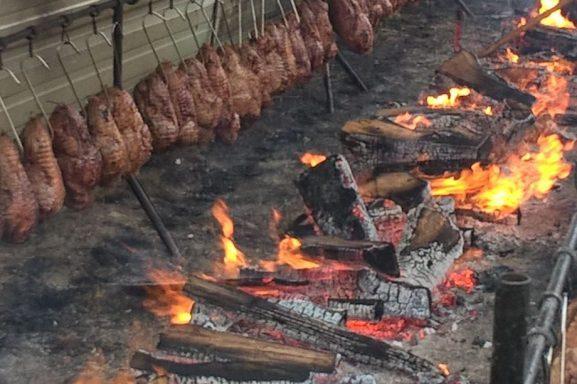 zikiro, méchouie, barbecu,barbacoa, barbecue, fêtes patronales, patron saint festivities, Fiestas Patronales, jaiak zaindaria