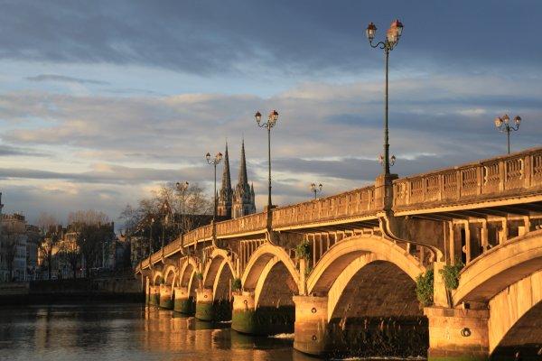 Lapurdum, bayona, bayonne, ville d'art et d'histoire, pont, cathédrale, fête de bayonne, city of art and historyadour, pays-basque, Cathedral of Bayonne, brige of bayonne