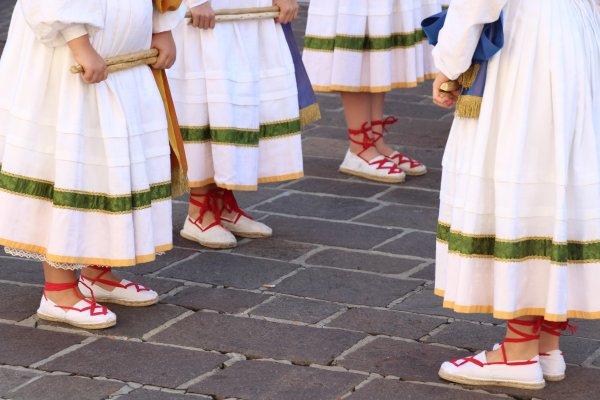 Dantza- basque dance- danse basque-espadrilles- culture basque- traditions basques-costume basque traditionnel,DANSE TRADITIONNELLE BASQUE,DANZA VASCA TRADICIONAL, TRADITIONAL, EUSKAL DANTZA TRADIZIONALA