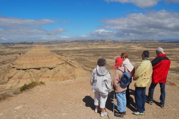 GROUPE EN VISITE DANS LE DÉSERT DES BARDENAS, excursion dans le désert des bardenas